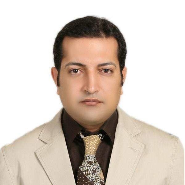 دکتر احمد همدانیان